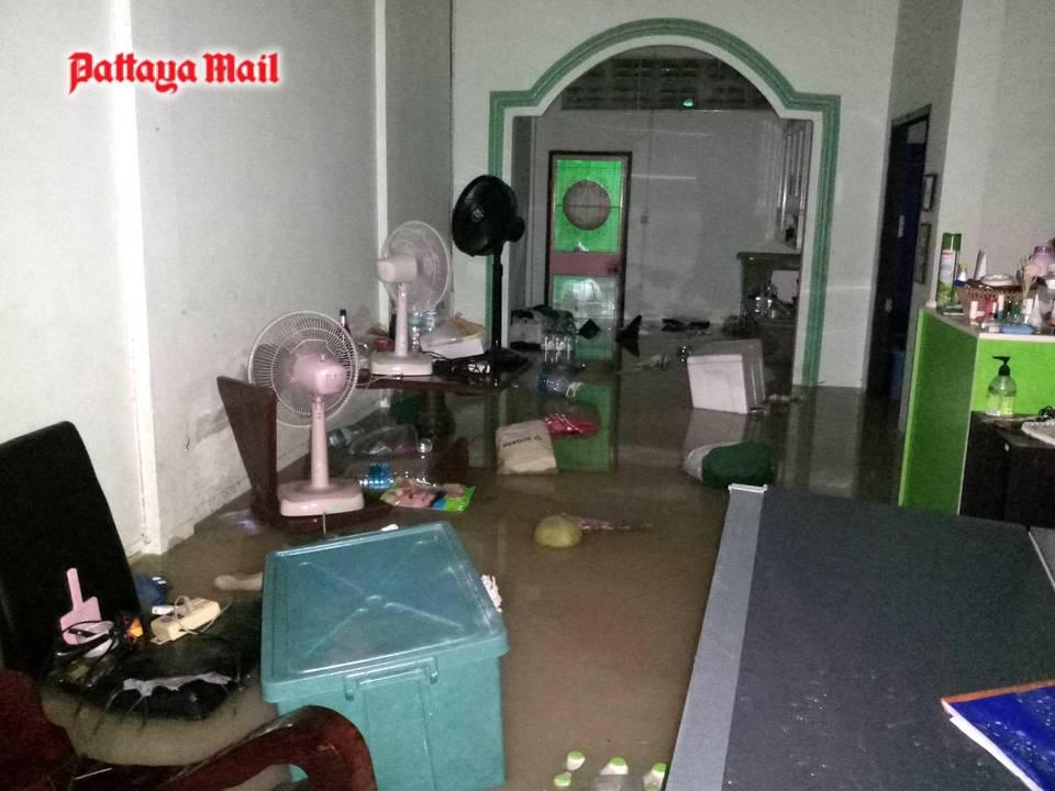 Pattaya-floods-pic-5.jpg