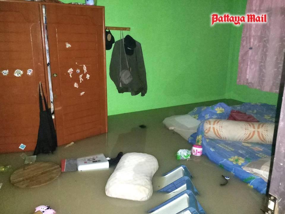 Pattaya-floods-pic-16.jpg